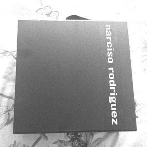 gift box in black